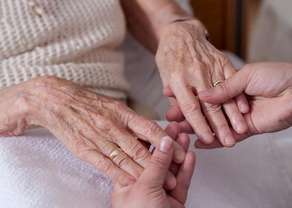 Pflegende Angehörige: Rechte, Ansprüche, Entlastungsmöglichkeiten